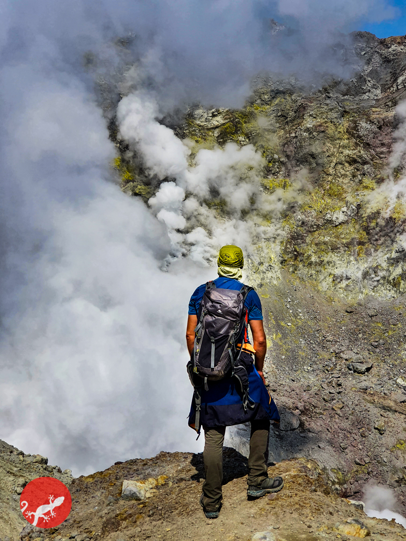 Активный кратер Мутновского вулкана