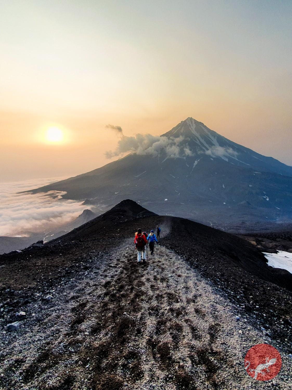 Закат - спуск с Авчинского вулкана